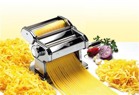 Macchina per stendere la pasta atlas 150 marcato tom press - Macchina per cucinare ...